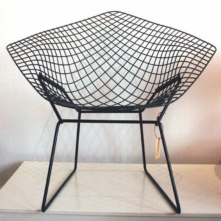 ... Mid Century Modern. Cool Lounge Chair For The Patio. Waffle Butt Is  Eminent Though.