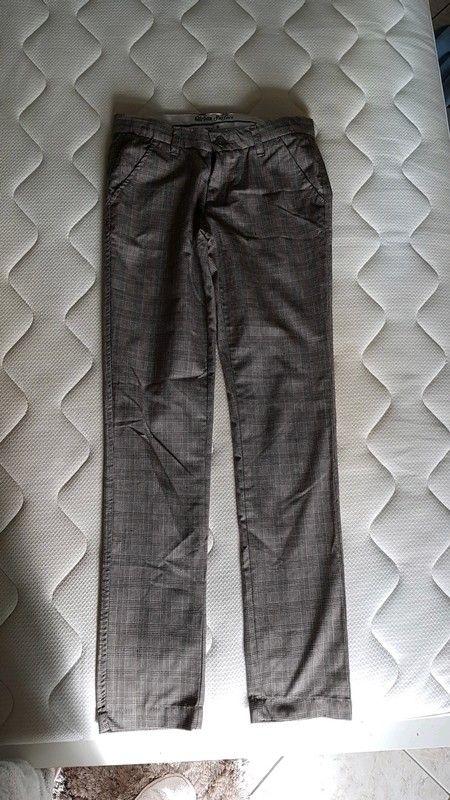 0392f09275c4c ... carreaux prince de Galles taille S ou 36 neuf - Pantalon à carreaux  taille S ou 36 couleur beige et trait bleu Poches devant … | ventes vinted  | Pants…