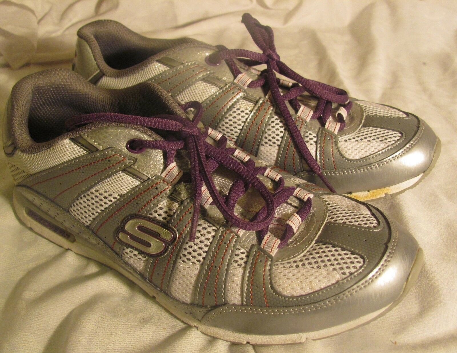 Sketchers size 8.5 shoes athletic nice