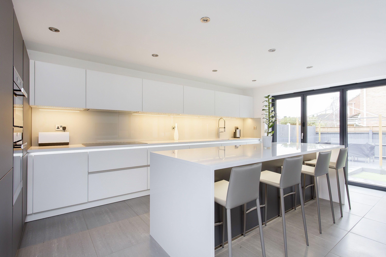 Best Amazing White And Grey Glass Handleless Nolte Matrix Art Kitchen With  Alno Kchen Grifflos With Kchenstudio Soest With Kchen Grifflos