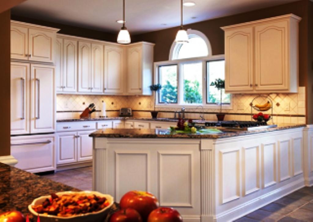Cabinet Refacing Diy   Wainscoting kitchen, Kitchen layout ...