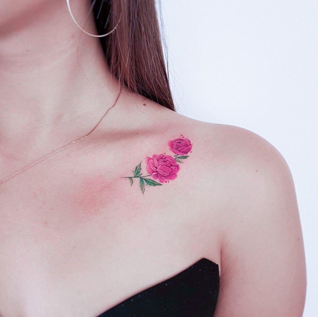 тату татуировка пион пионы цветы миниатюра маленькая ключицы на