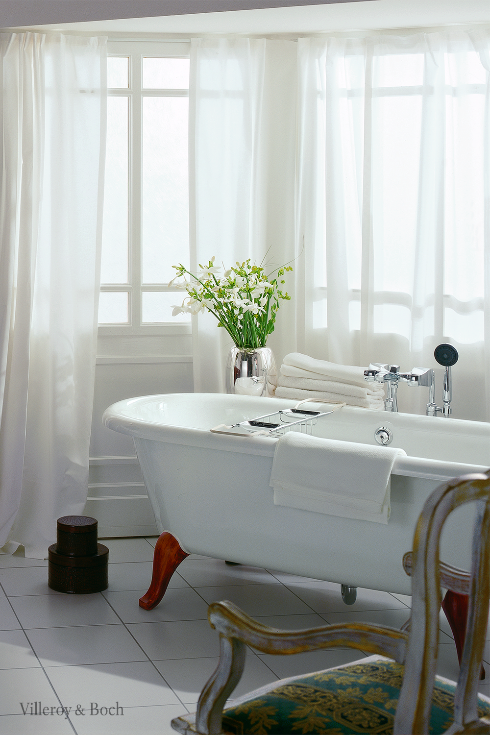You Re Always Right Choosing A Classical Style For Your Bathroom In 2020 Rustikal Weiß Badezimmer Inspiration Bad Inspiration