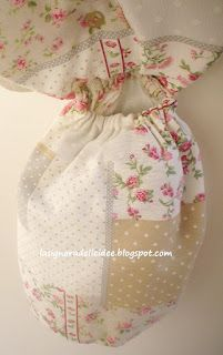 Bag holder with flowers