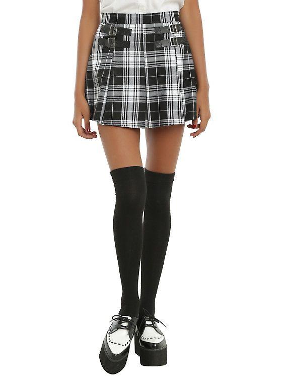 b496f7961 Black & White Plaid Buckle Skirt | wish list | Plaid pleated skirt ...