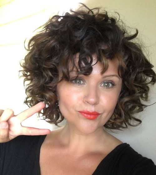 15 Curly Bob With Bangs Hairstyle Curly Hair Styles Short Curly Hairstyles For Women Short Curly Haircuts