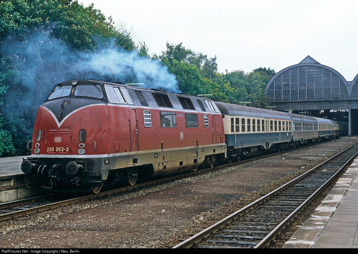 Photo 220 053 Deutsche Bundesbahn V 200