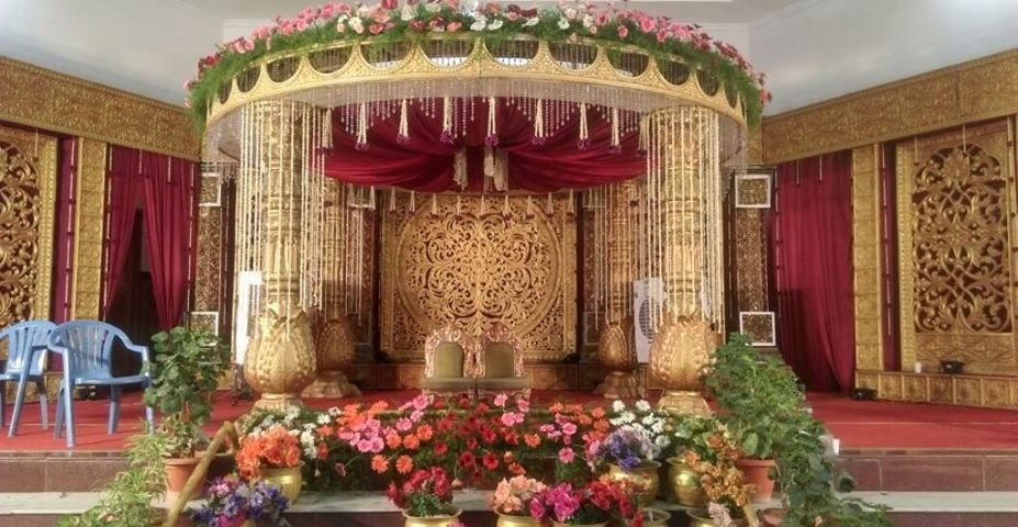 A Traditional Hindu Wedding Takes Place Inside Mandap Use Of