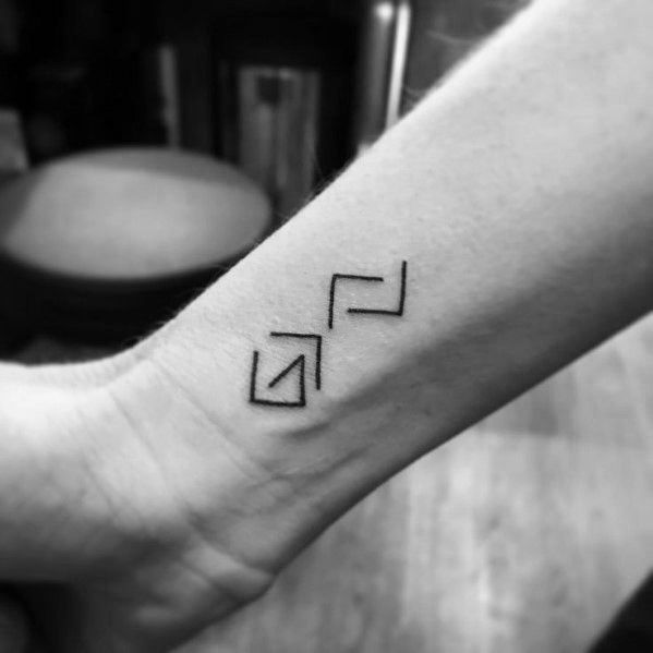 50 Gott ist größer als die Höhen und Tiefen Tattoo Designs für Männer #lowalbum