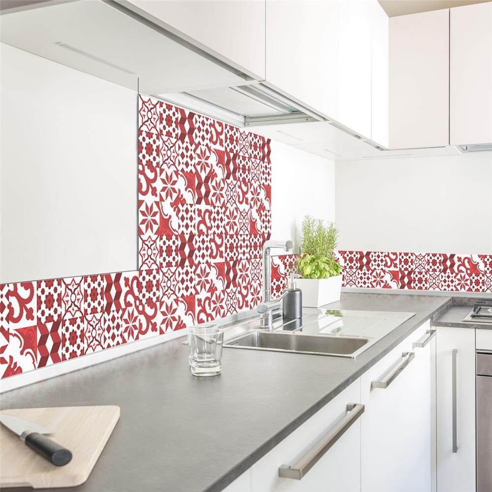 Protegez Votre Mur Avec Une Credence Decoree Originale Le Motf Carreau De Ciment Rouge Donne Un Peut De Gait Credence Cuisine Credence Cuisine Moderne Blanche