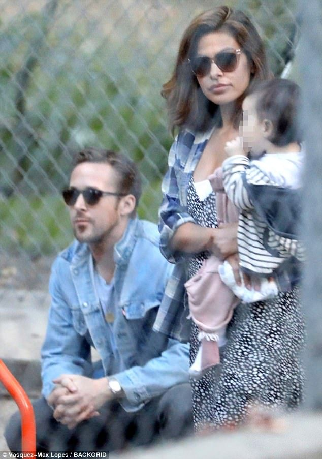 98f398e256 Walk in the park! Ryan Gosling and Eva Mendes took a trip to the park with their  daughters Friday