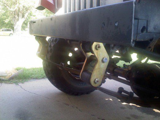 A Jeep With Boomerang Shackles On The Front Jeep Yj Jeep