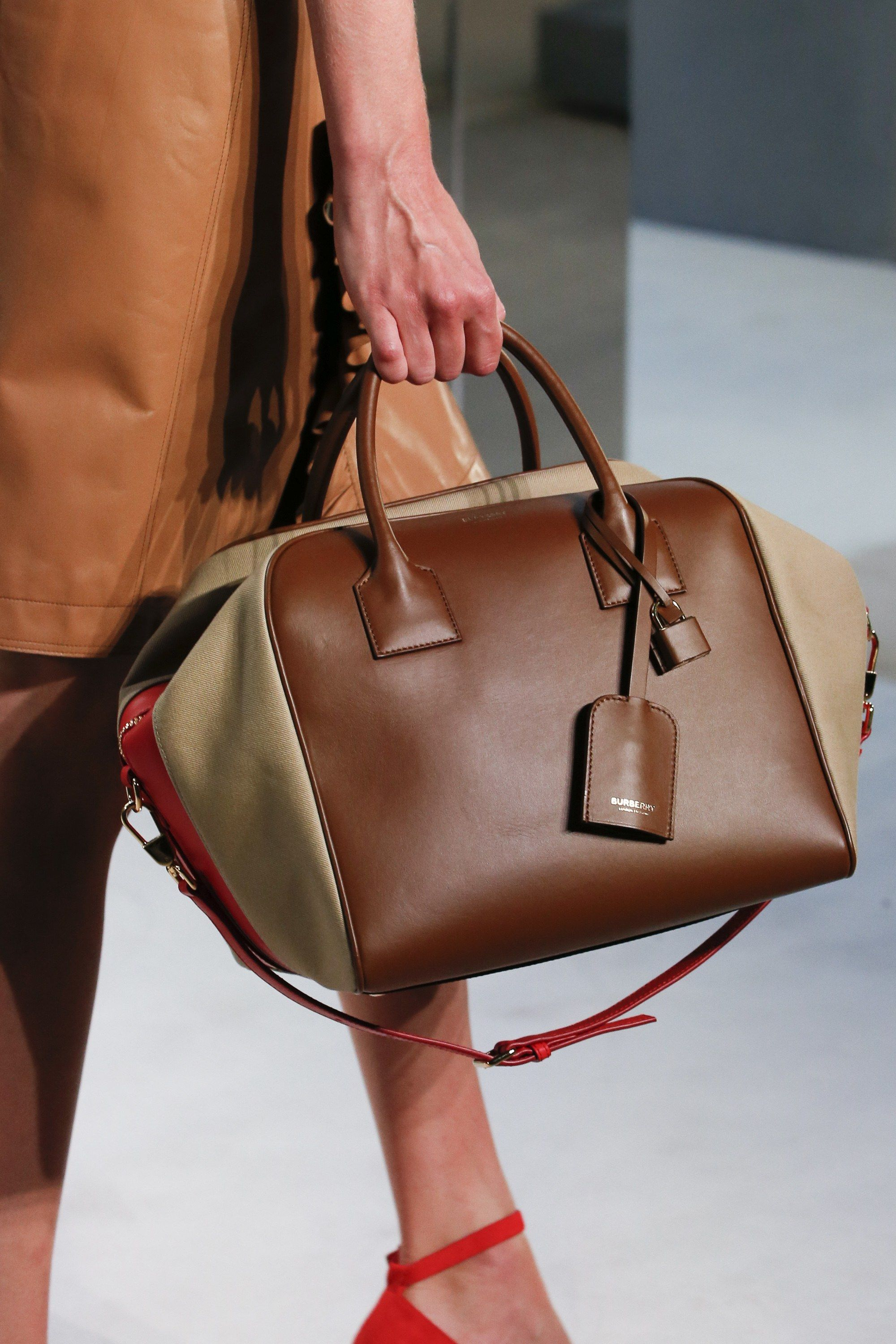 Prorsum burberry accessories spring summer collection recommend dress in summer in 2019