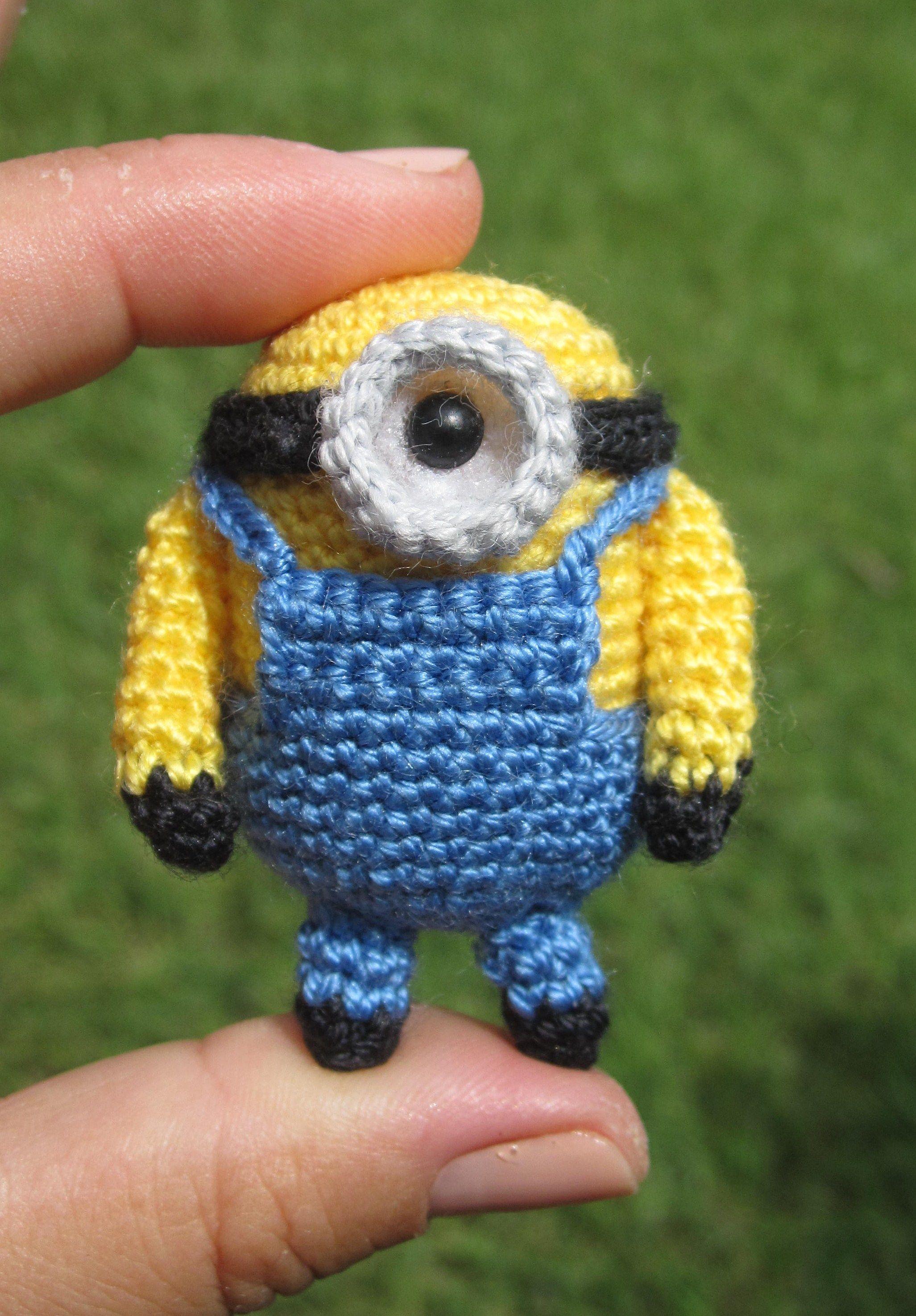 Minions Amigurumi Llavero : Mini minion llaveros crochet pinterest