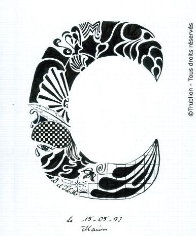 Trublion's Work : Grande lettre majuscule C, Lettrine dessinée à la plume en encre de chine. Alphabet. réalisation au trait sur feuille d'écolier format A4 dessin