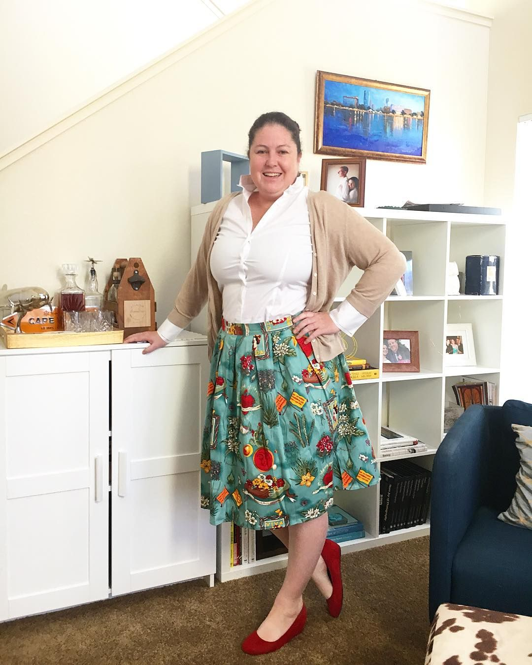 72f89cc664 The grace karin skirt has frida kahlo on it and paired with some red suede  wedges gives a little extra oomph! Nice.,