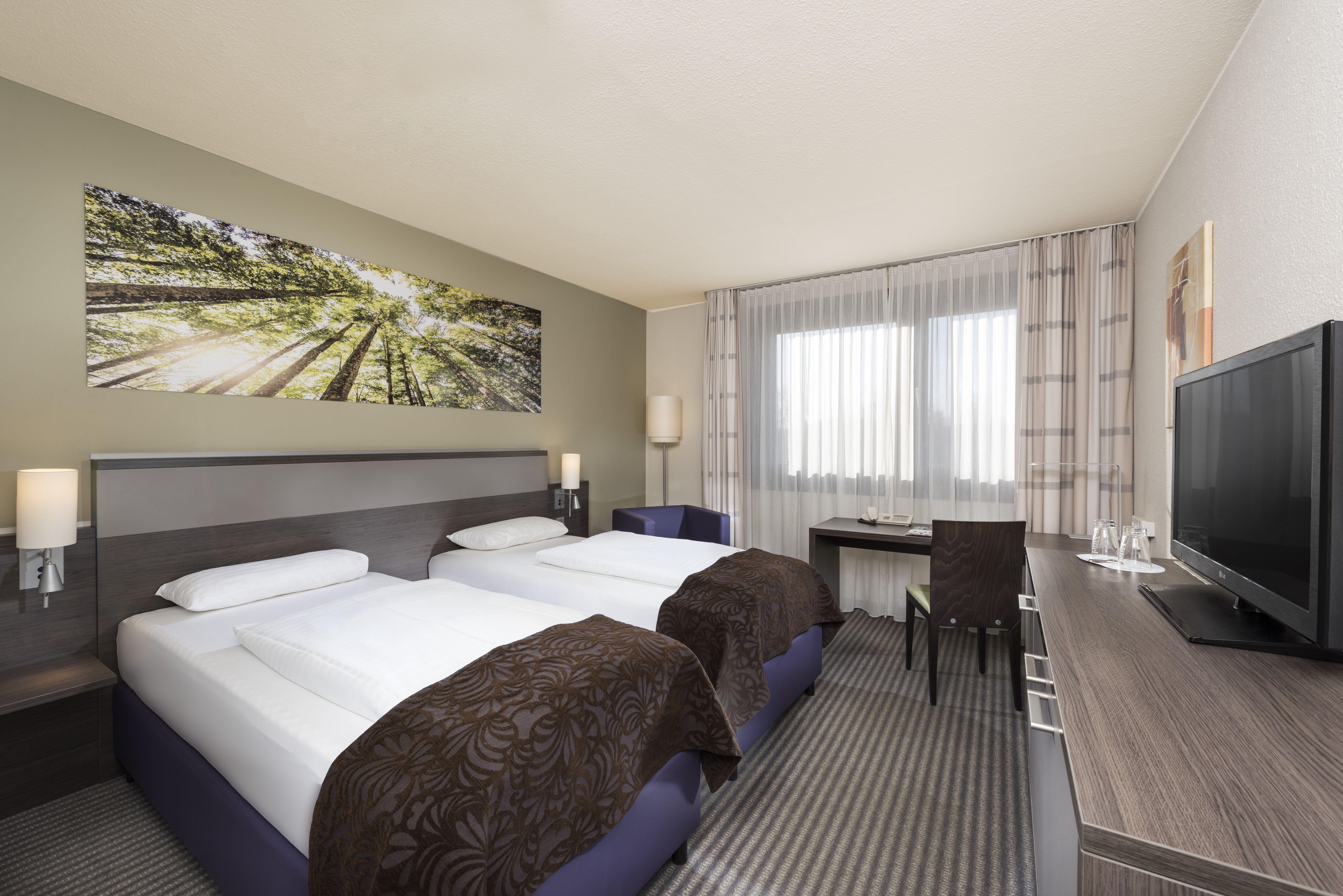 Mercure Hotel Düsseldorf Airport Hotel offers 120