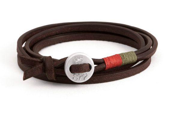 Mens bracelet brown leather aluminium closure orange green