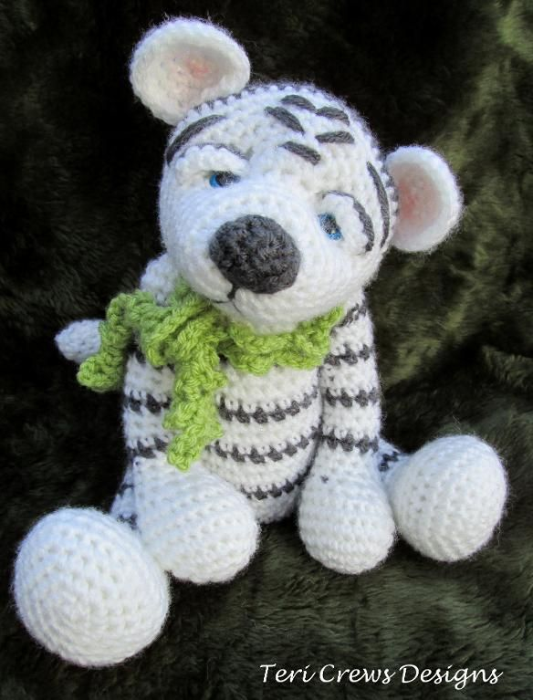 Darling White Tiger Crochet Pattern by T | Leones