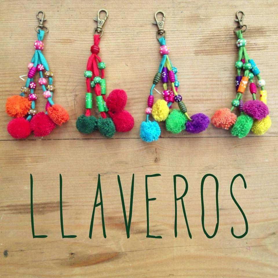 Pom pom keychains handmade 100 manualidades pinterest - Manualidades en lana ...