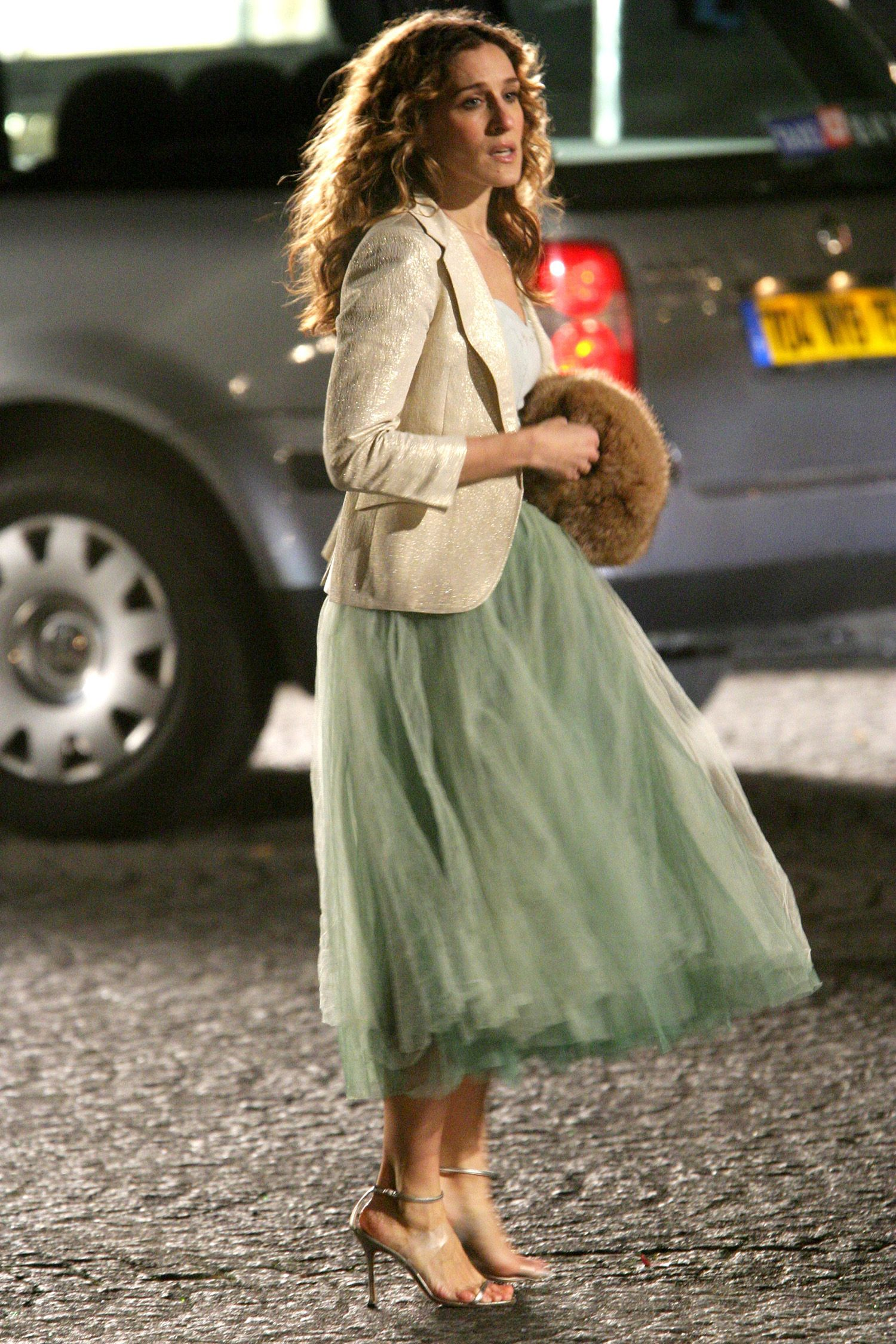 carrie bradshaw's 50 best looks of all time | carrie, 50th and blazers