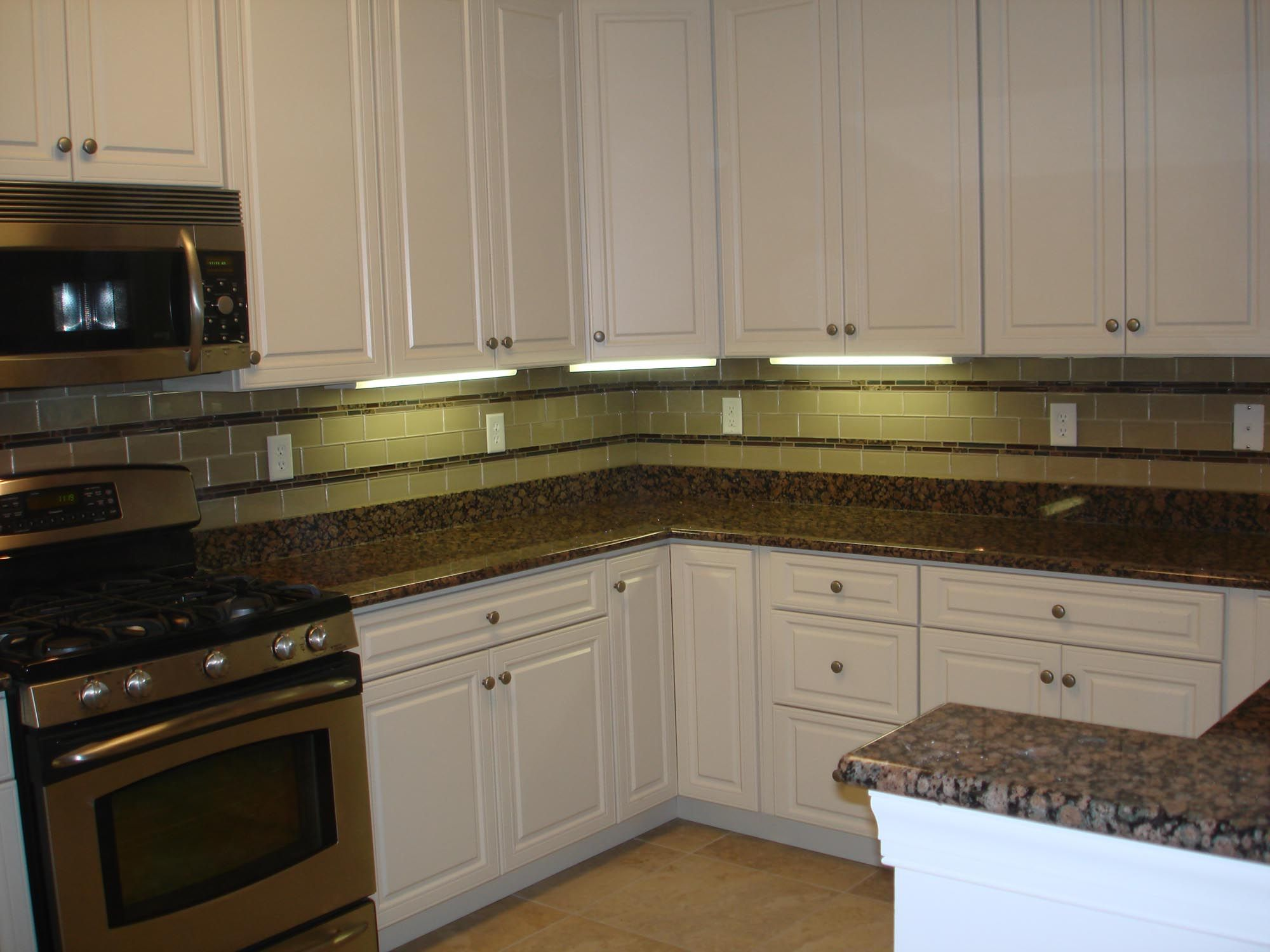 Glass Backsplash In Kitchen 17 Best Images About Back Splash On Pinterest Kitchen Backsplash
