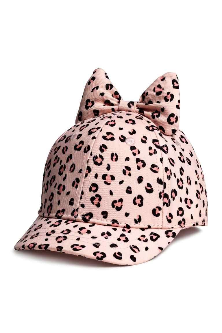 Gorra con lazo | Zapatos tejidos para damas, Sombreros ...