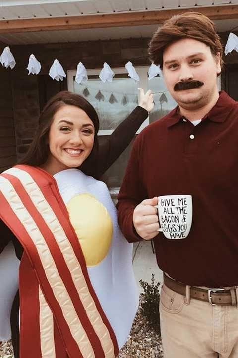 Bacon and Egg Halloween Costumes #halloweencostumesmen Couples Halloween Costumes - Ron Swanson Breakfast #halloweencostumesmen