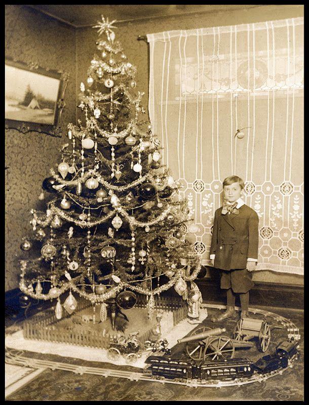 Vintage Christmas tree photo Vintage Christmas Images Vintage