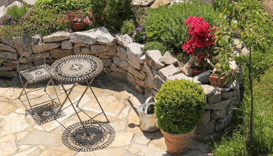 Bildergebnis für hochbeet aus naturstein selber bauen Garten - garten mit natursteinen gestalten