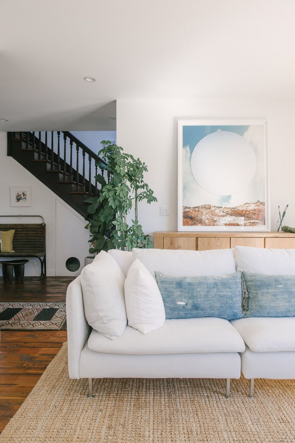 A Quirky Home In La Gets A Complete Renovation Rue Living Room