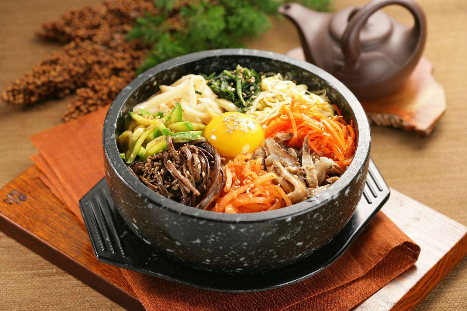 sampling korean food food korean dishes and korean bibimbap. Black Bedroom Furniture Sets. Home Design Ideas