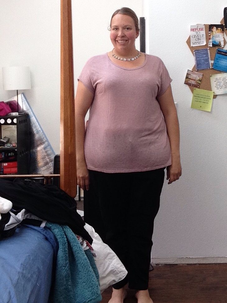 In my July @diaandco  box I got this nice light pink top. The back is a blueish/green bohemian cutout that I love.