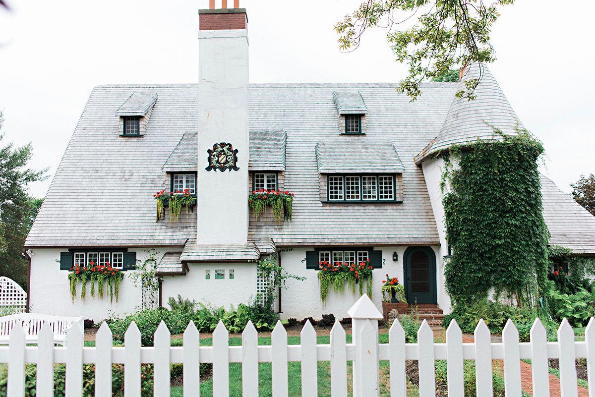 Classic Elegance at the Algonquin Resort | Nova Scotia Wedding Planner | Item 2 via Elegant Productions