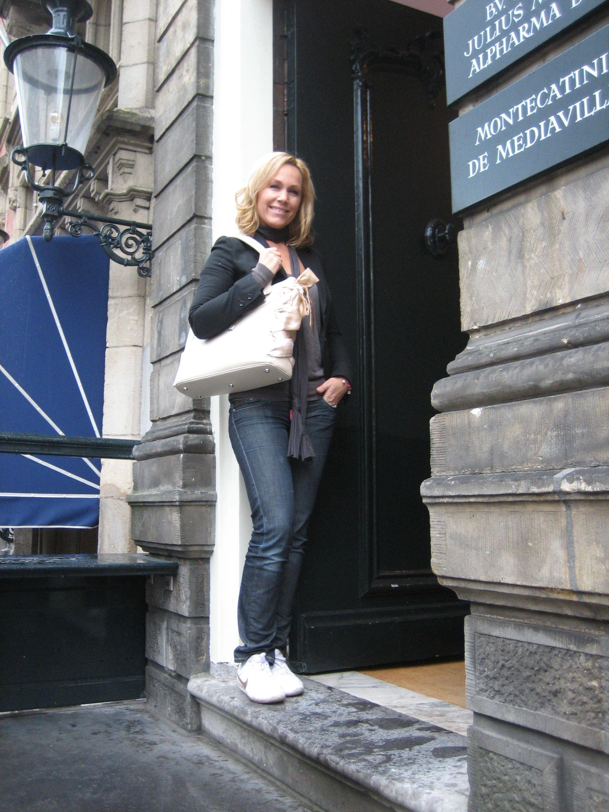 Dutch Actress Tanja Jess wearing Cavalier's Sweet Dane Shoulderbag