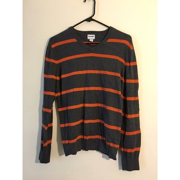 Striped sweater Old navy striped sweater. Super cute! No flaws, good condition.   No trades  ‼️ Price firm‼️  Free gift with every order  Old Navy Sweaters V-Necks