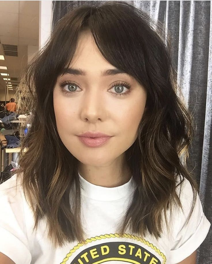 Medium Length Hair With Bangs Loganstanton Medium Length Hair With Bangs Hair Lengths Medium Hair Styles