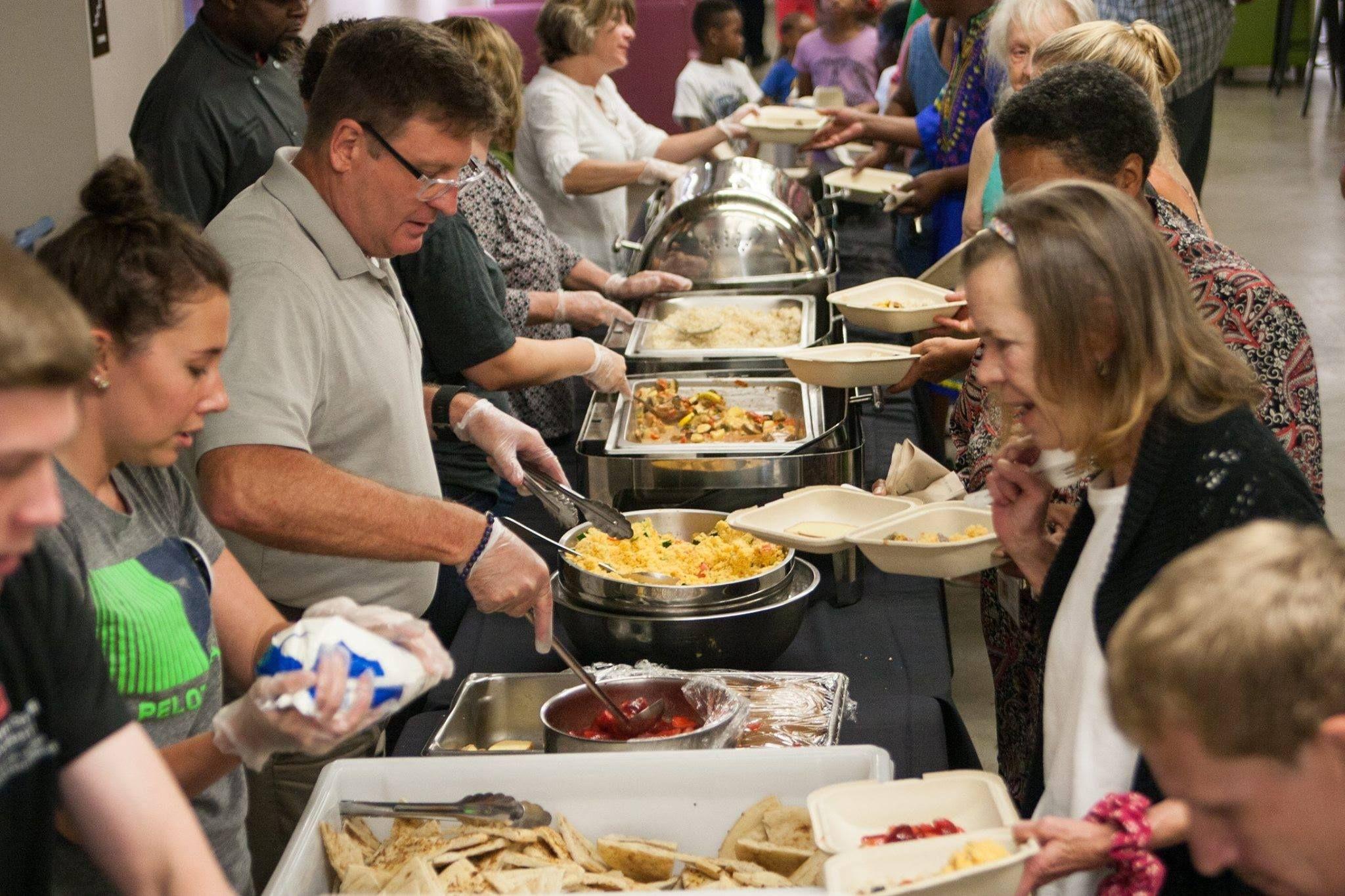 50 Ways To Volunteer In Columbus Soup kitchen volunteer
