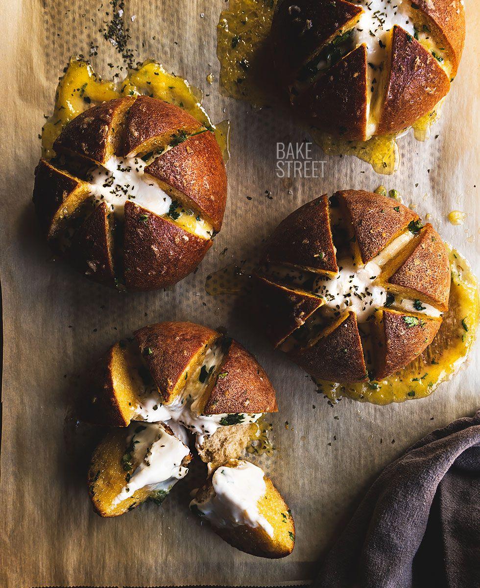 Korean Cream Cheese Garlic Bread Bake Street Com Recipe In 2020 Garlic Cheese Bread Garlic Bread Korean Cream