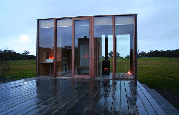 Casa prefabricada para pasar los fines de semana casas for Arquitectura prefabricada