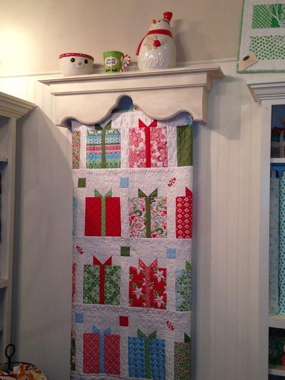 Img0931255b5255dg Also Love The Quilt Shelf Quilt Love