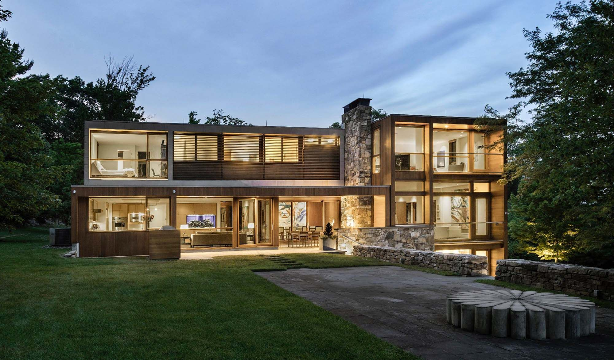 Contemporary Home With Flat Roof Modern Exterior Contemporary House Design House Design