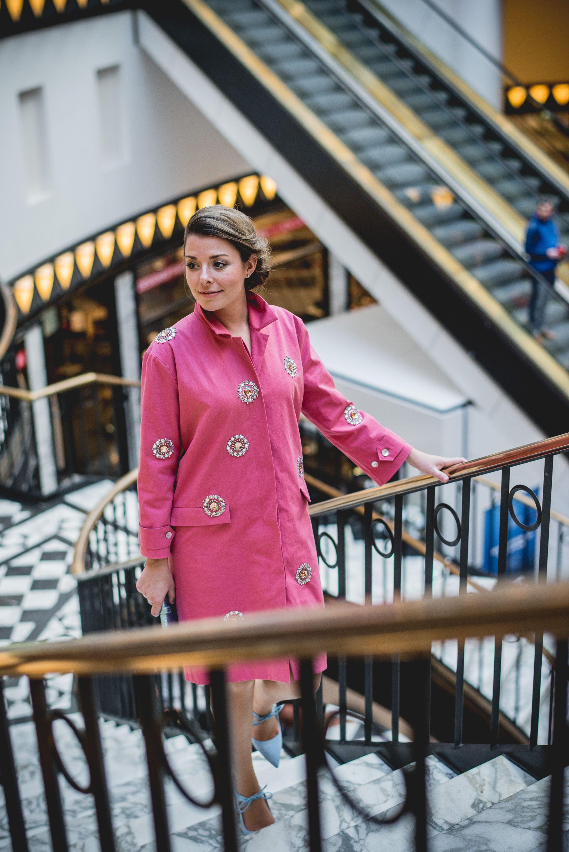 Kostenloses Schnittmuster Zum Download: Rosa Jacke/Mantel Perfekt Für Den  Frühling: Mit Süßen