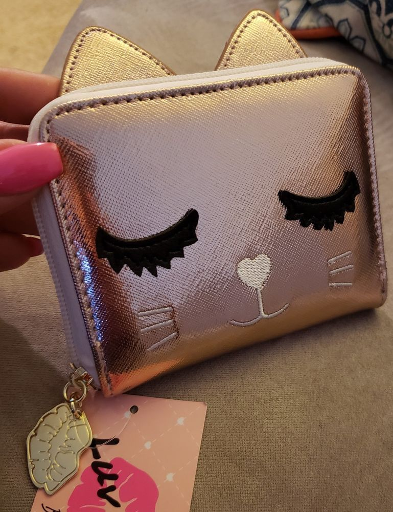 3553eb12c703 NWT Cute Cat Wallet
