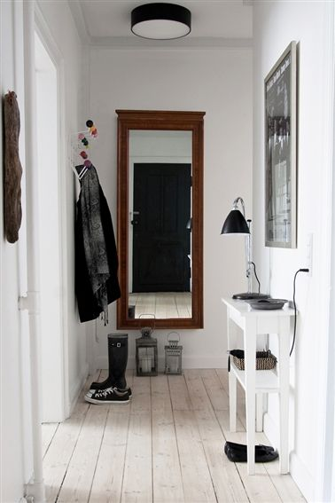 midmod black white entry Entry ideas Pinterest Entry hallway - idee deco porte d entree