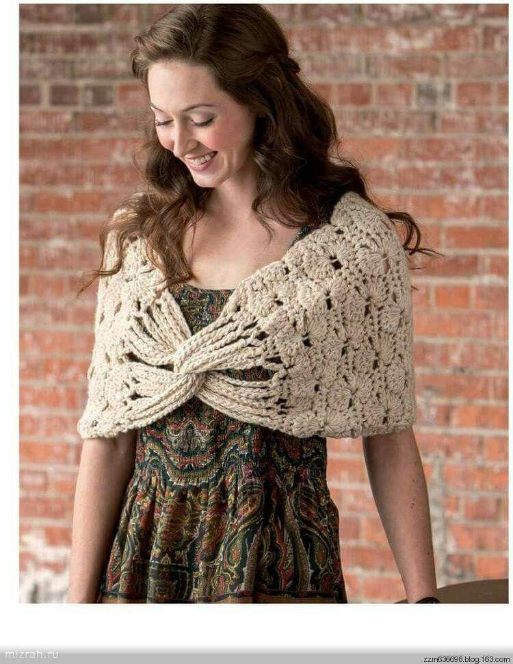 Pin by Henta van Dyk on hekelwerk stolas | Pinterest | Crochet cape ...