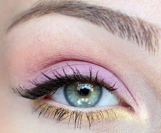 7 Eye Makeup Tips For Sagging Eyelids You Should Definitely Apply