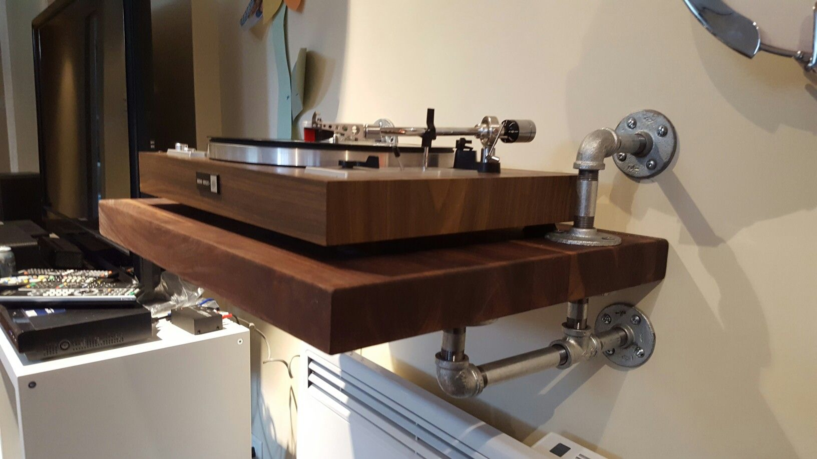 Plattenregal Diy Diy Turntable Wall Mount Hifi In 2019 Plattenspieler