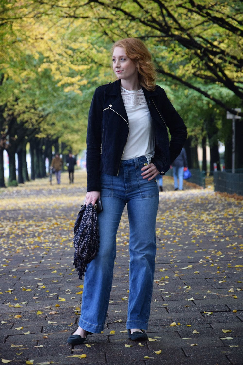 High Waisted Jeans kombinieren  #mode #fashion #fashionblog #modeblog #advanceyourstyle #style #lookbook #berlin Outfit posted on http://www.advance-your-style.de