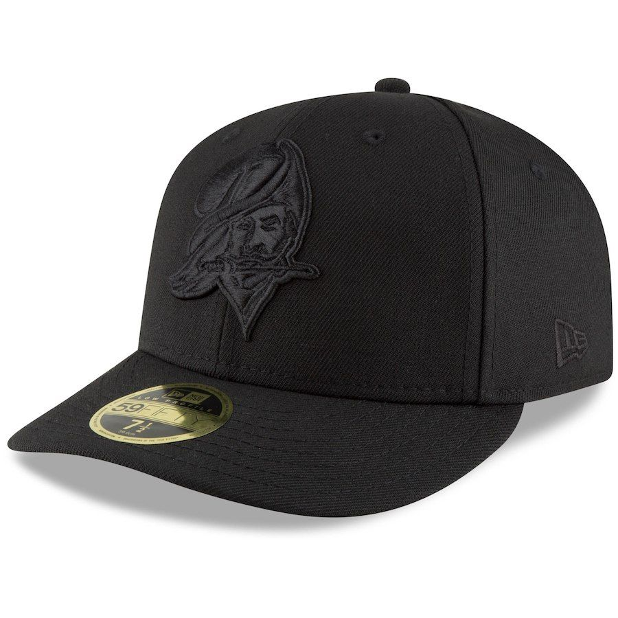 Men s Tampa Bay Buccaneers New Era Black Throwback Logo Low Profile 59FIFTY  Fitted Hat 009a1dcd4